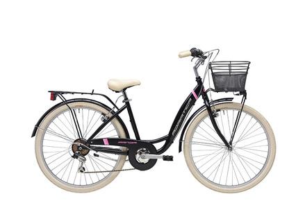 <strong>Bicicleta de dama</strong>cu furca fixa si maneta de schimbator Shimano cu 6 viteze.</p><p><strong>Bicicleta de oras Adriatica,</strong>echipata cu aparatori de noroi, aparator de angrenaj, portbagaj dar cosul de fata nu este inclus, poza este cu titlu informativ.</p><p><strong>Cadru:</strong>Hi-Ten</p><p><strong>Furca:</strong>Hi-Ten Oval-TIG</p><p><strong>Schimbator spate:</strong>Shimano TY21</p><p><strong>Maneta schimbator:</strong>Shimano RS 36</p><p><strong>Pinioane:</strong>Shimano 6s<strong></strong></p><p><strong>Pedalier:</strong>TRK otel 42T</p><p><strong>Frane:</strong>tip V alu</p><p><strong>Roti:</strong>700C TRK alu</p><p><strong>Anvelope:</strong>City 700×35C</p><p><strong>Ghidon:</strong>TRK alu</p><p><strong>Pipa:</strong>TRK alu</p><p><strong>Sa:</strong>TRK City</p><p><strong>Pedale:</strong>TRK resin</p><p><strong>Dimensiune cadru:</strong>42cm</p><p><strong>Greutate:</strong>15.30 kg</p><p>